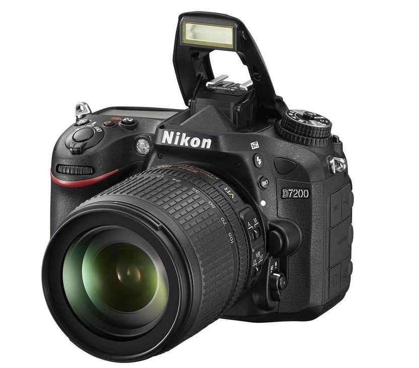 Купить Цифрова фотокамера дзеркальна Nikon D7200 kit 18-105 мм VR, VBA450K001