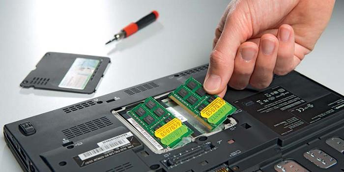 Notebook-aufruesten-07-14-RAM-700x350.jpg