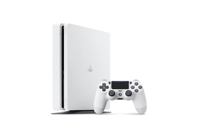 PS4_2000_White_01.jpg