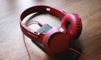 Насолоджуйся морем музики від Philips SHL3075